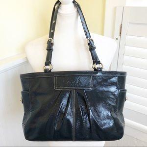 Coach EUC Navy Blue Patent Leather Shoulder Bag